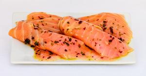 saumon mariné aux algues