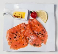 saumon mariné baies ciboulette